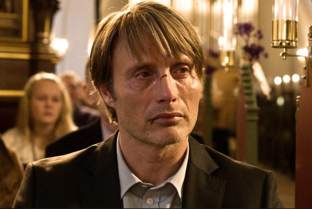 Mads Mikkelsen jako Lucas. Polowanie