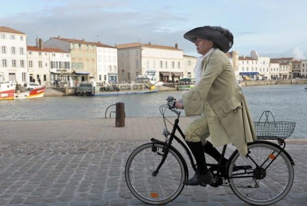 Molier na rowerze. Fabrice Luchini jako Alcest