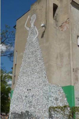 Mural - kłódkowa suknia
